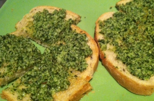 Mac Nut Pesto Toast